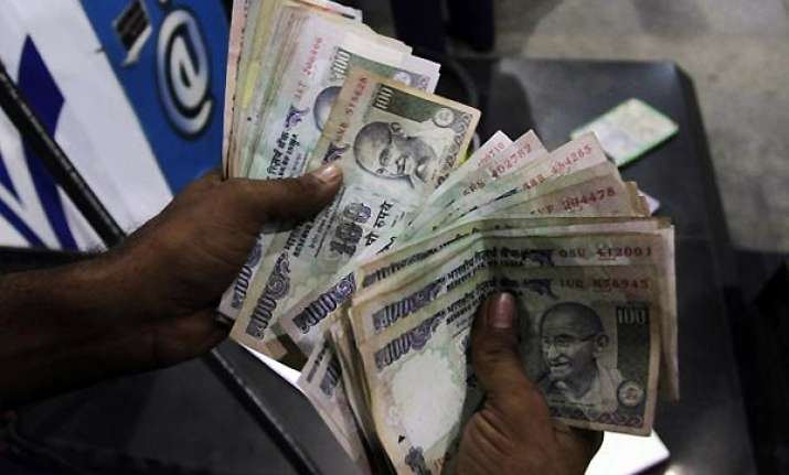 rupee up 11 paise vs dollar in early trade