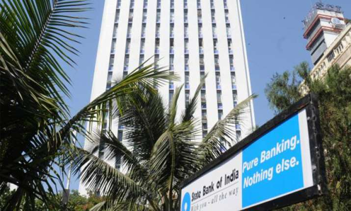 sbi expects reserve bank to cut crr by 1 pc