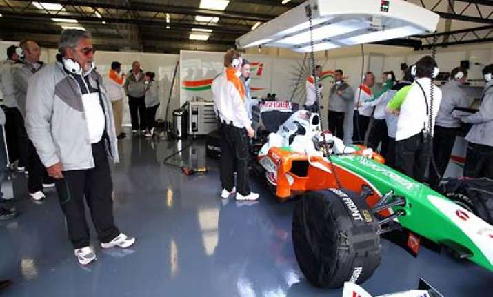 sahara group buys stake in force india f1 team