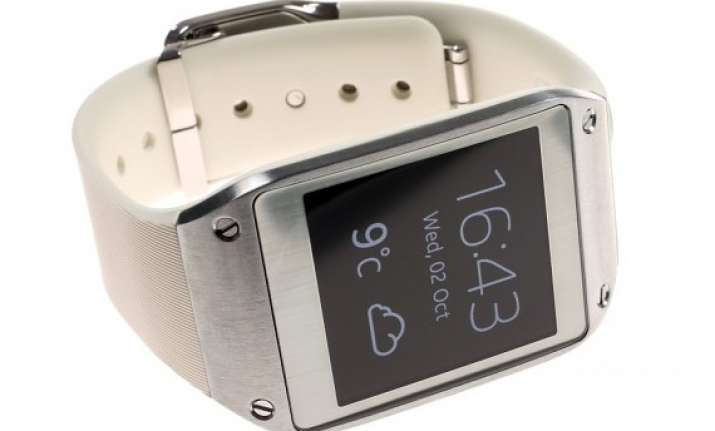 samsung slashes price of its galaxy gear smartwatch by rs 7