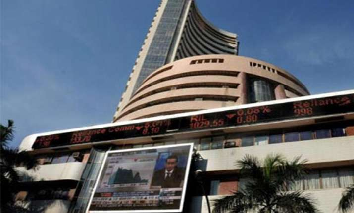 sensex crashes by 455 points after gdp s steepest fall in a