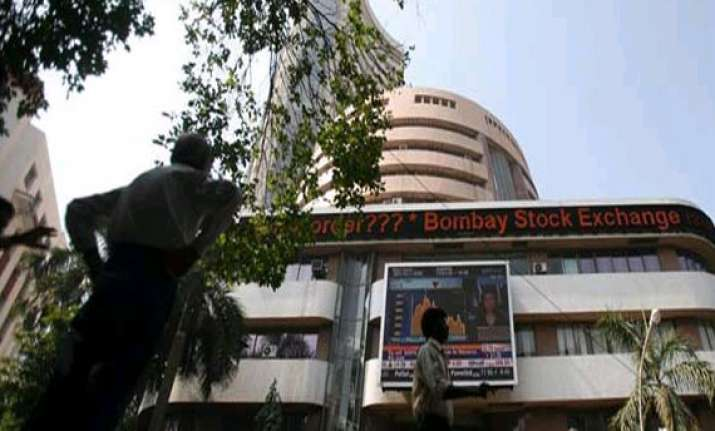 sensex extends losses for 2nd week in a row drops 123 points
