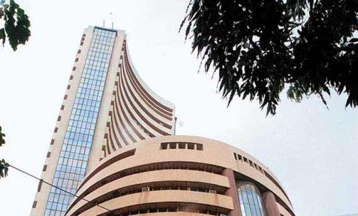 sensex gains 20 pts in volatile trade