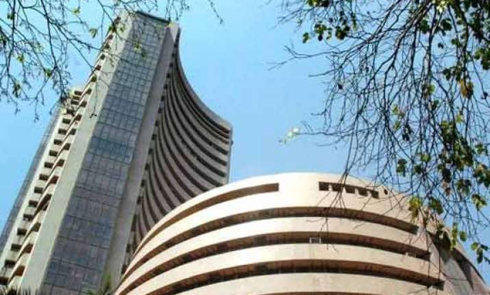 sensex reclaims 26 000 level up 311pts as funds chase