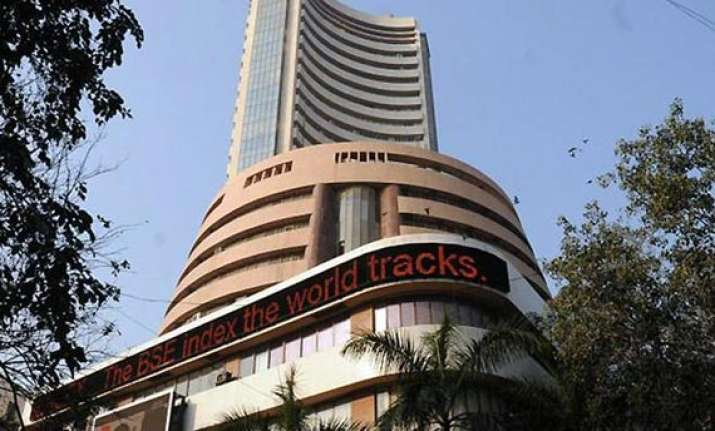 sensex slips 113 pts to nearly 2 wk low ahead of rbi meeting