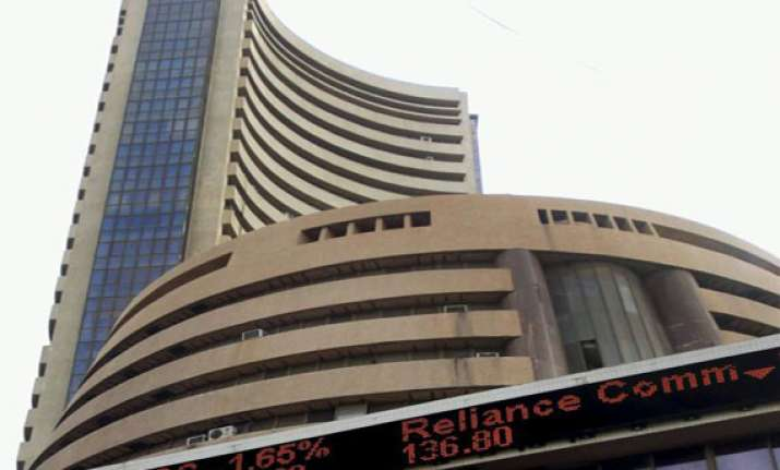 sensex surges 385 points as us shutdown eases tapering fears