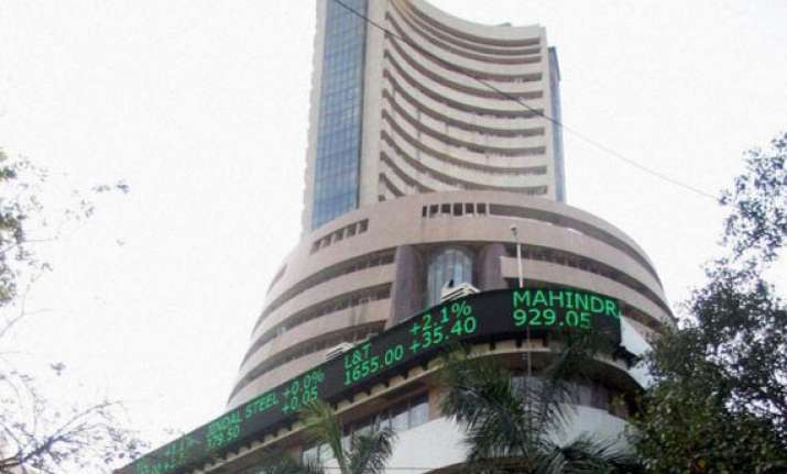 sensex up 92 points in early trade