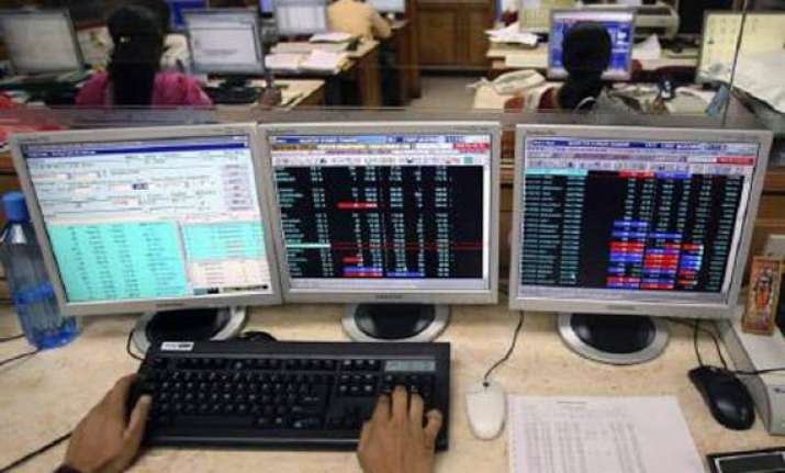 sensex rallies 472 pts on global cues regains 16k level