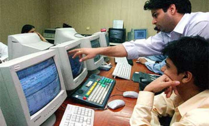 sensex snaps 5 day rally on low growth estimates global cues