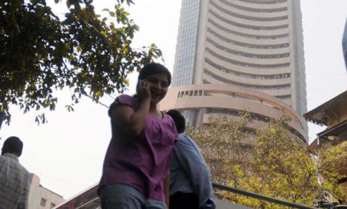 sensex at 2 week high up 226 pts on growth prospects