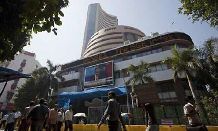 sensex shoots up 346 pts as govt clears air on p note tax