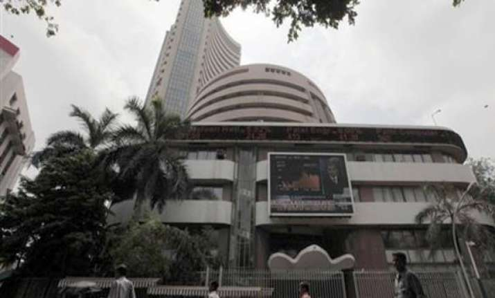 sensex jumps 325 pts led by ril infosys amid firm global