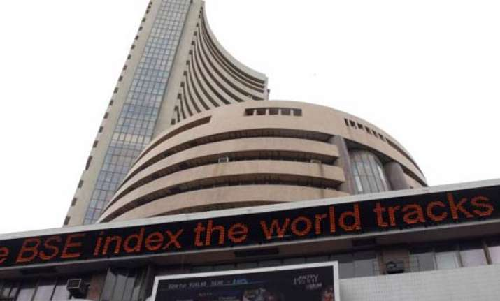 sensex touches 28 mth low down 112 pts on growth concerns