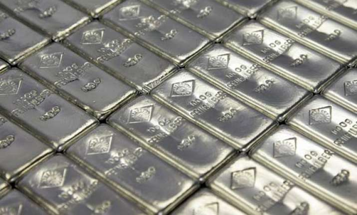 silver rises for third session to rs 55 200 gold ends flat