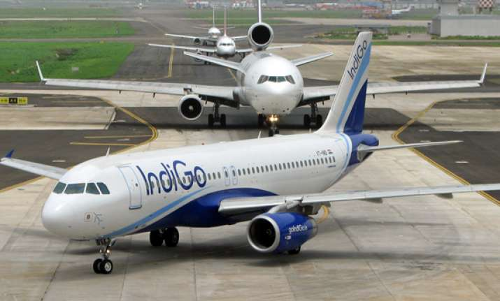 spicejet indigo offer flash sale and holi discount in