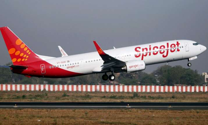 spicejet reports q4 net loss at rs 321.5 cr