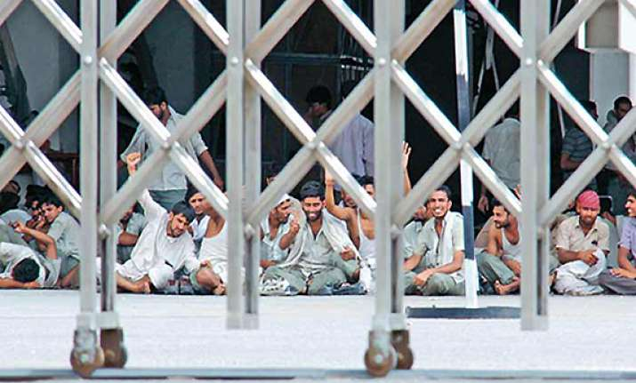 striking workers vacate two maruti plants