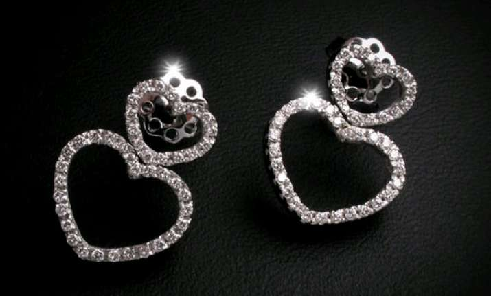 surat to have india s first diamond sez soon saurabh patel