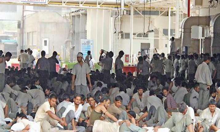talks continue as maruti manesar plant strike enters 14th