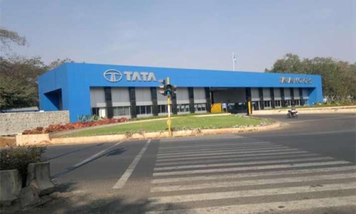 tata motors consolidated net profit down 36 percent