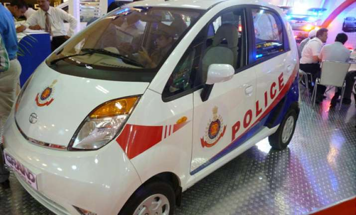 tata nano and aria unveiled as delhi police vans