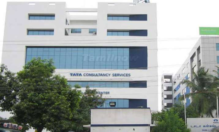 tatas to invest rs 1350 cr in west bengal sez