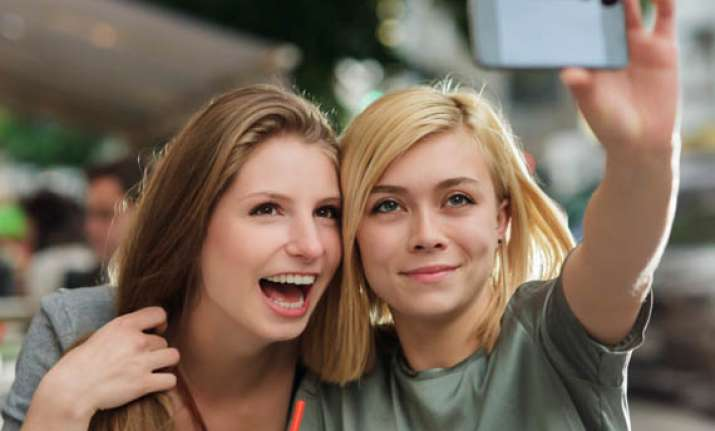 today s advice to graduates no selfies