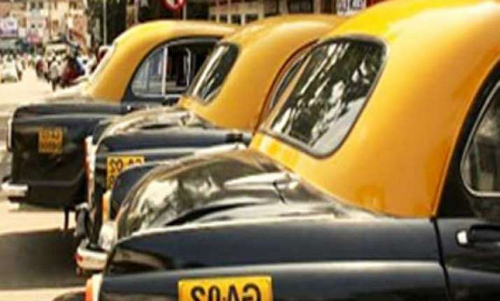 tourists stranded as taxis go off road in goa