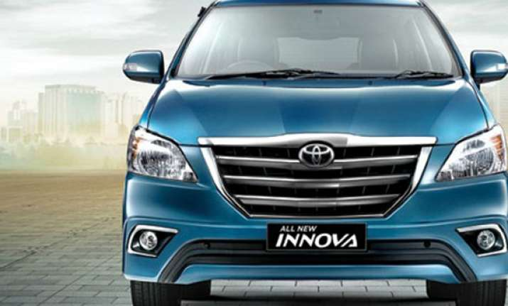 toyota innova facelift launched at rs 12.45 lakh