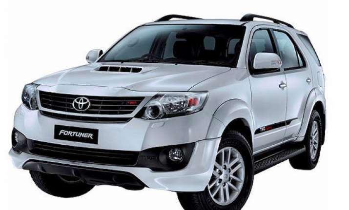 toyota introduces the fortuner trd sportivo