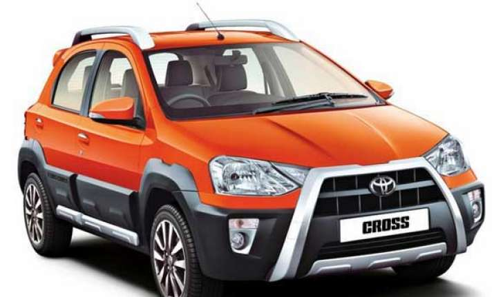 toyota etios cross launched in india