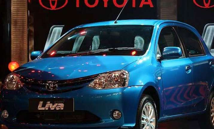toyota launches liva at rs 4.12 rs 5.97 lakh