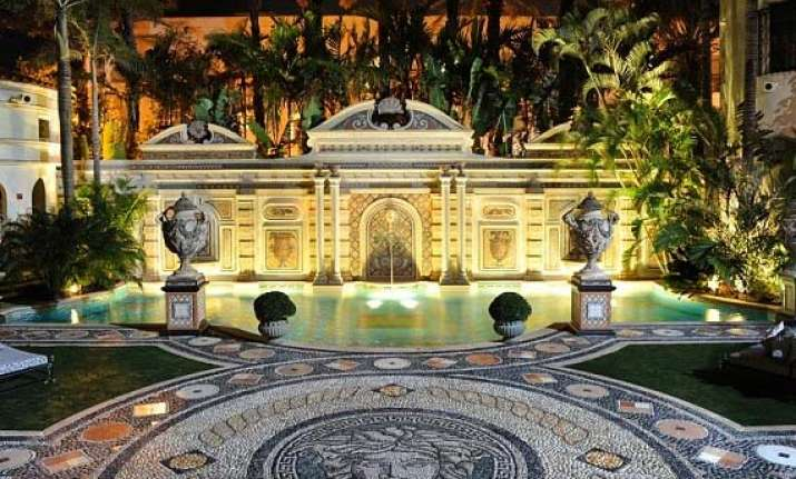 versace mansion on miami beach going up for auction