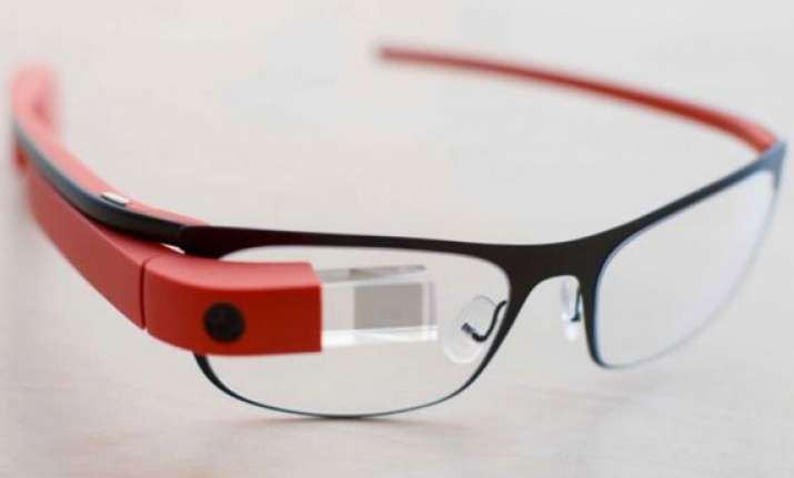 virgin atlantic using google glass for faster check ins to