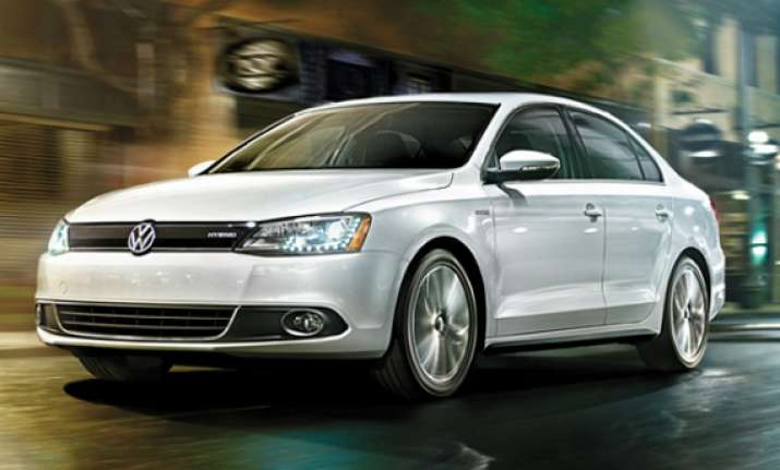 volkswagen launches new version of jetta in indian market