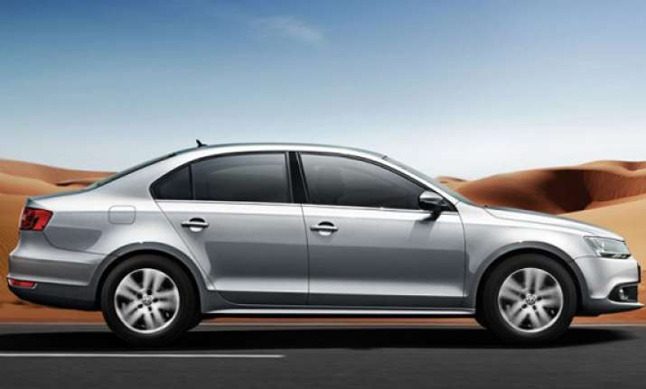 volkswagen launches petrol variant of jetta price starting
