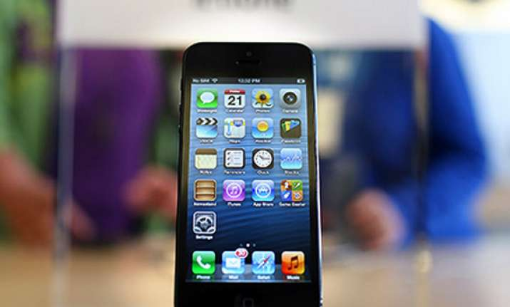 wal mart selling apple iphone 5 at heavy discount