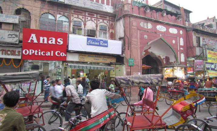 with google s help delhi s chandni chowk market goes online