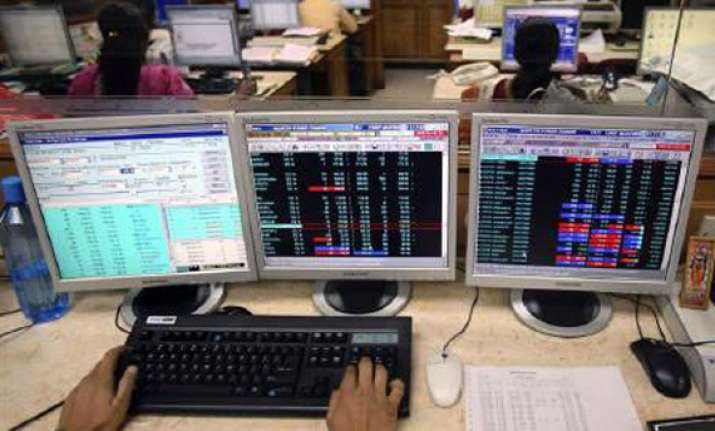 9 of top 10 sensex blue chips lose rs 66 415 cr in market