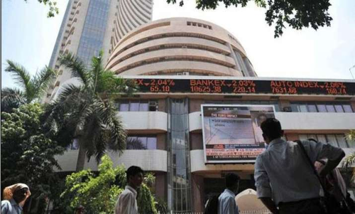 sensex jumps 180 points to regain 20 000 mark hdfc bank