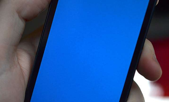 iphone 5s users report blue screen of death reboots