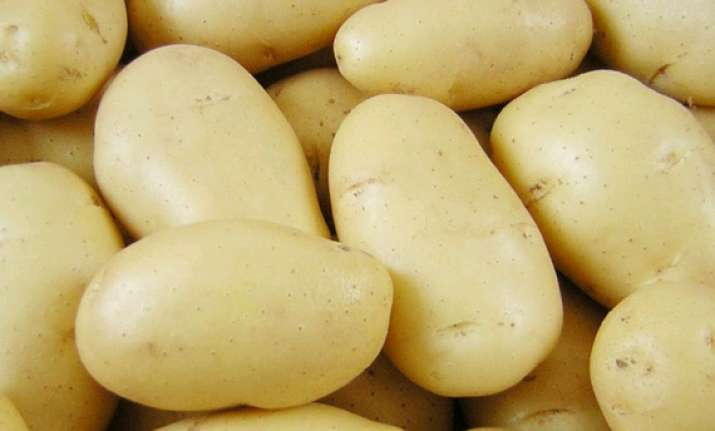 1500 2000 tons of potatoes exported to pak every day