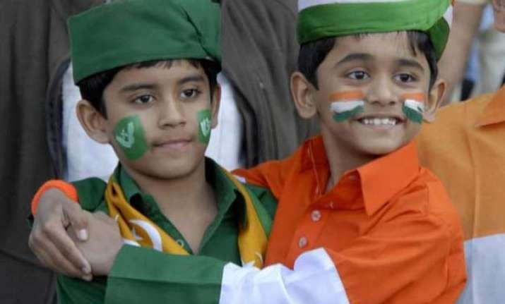 mere samne wali sarhad pe this video on india pakistan bond