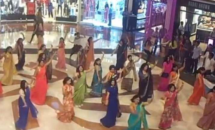 watch video women in flash mob show actresses how to dance