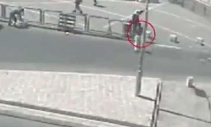 watch video israeli police teaches you how to spot a