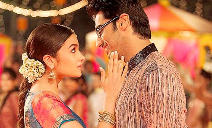 alia arjun starrer 2 states smashes the box office