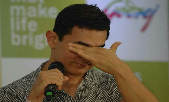 aamir khan cries while remembering struggling days view pics