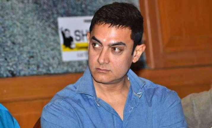 aamir khan lodges complaint with mumbai police