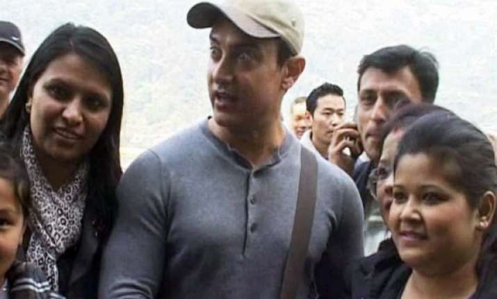 aamir khan asks tourists to visit sikkim