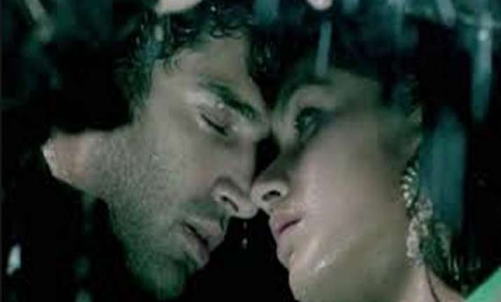 aashiqui 2 joins rs.100 crore club